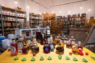 Enallaktiko Pantopoleio (Alternative Grocery Store) - Enoria Christou, Kalymnos